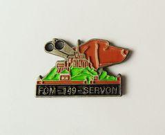 Pin's Chien Chasse Servon  - BL18 - Badges