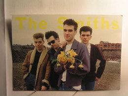 Célébrités - Chanteurs Et Musiciens - The Smiths  - Groupe De Rock Anglais Créé En 1982 - Zangers En Musicus