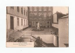 SAINT-HUBERT.  Pensionnat Des Soeurs De Notre-Dame. Cour Intérieure (1920). - Saint-Hubert