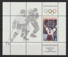 MiNr. 176(Block 8) Tschechische Republik : 1998, 1. April. Blockausgabe: Gewinn Der Goldmedaille Im Eishockey - Tschechische Republik