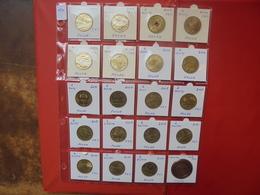 POLOGNE LOT 19 MONNAIES DIFFERENTES ENTRE 2000 Et 2010 + 1 MEDAILLE - Coins & Banknotes