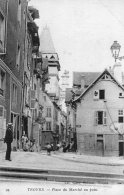 925 - Cpa 10 Troyes - Place Du Marché Au Pain - Troyes