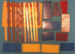 Lot N° 8 Plus De 200 Pièces Meccano Hors Visserie Images Conformes - Meccano