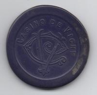 Jeton Plastique De Casino De Vichy 100 Francs : Monogramme CV (Légèrement Déformé) - Casino