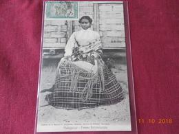 CPA - Femme Betsimisaraka - Madagaskar