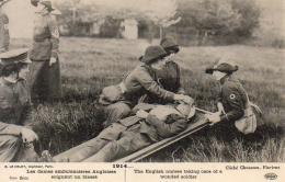 GUERRE 1914- 1918 WW1  Les Dames Ambulancières Anglaises Soignant Un Blessé  ... - Guerre 1914-18