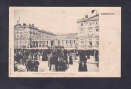 Vente Immediate Compiegne Le Chateau : En Attendant La Sortie Du Tsar ( Nicolas II L'H. Paris ) - Compiegne