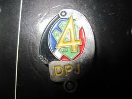 PINS POLICE NATIONALE LA DPJ 4 °è  ARROND DE PARIS DIRECTION POLICE JUDICIAIRE DE PARIS 75   T.B.E. - Polizia