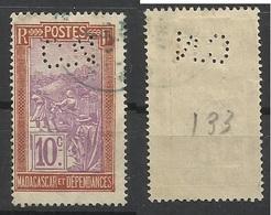 Colonie MADAGASCAR N° 133 CN 1 Indice 8 Perforé Perforés Perfins Perfin - Madagascar (1889-1960)