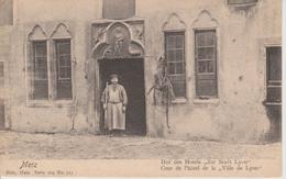 57 - METZ - COUR DE L'HOTEL DE LA VILLE DE LYON - NELS SERIE 104 N° 217 - CARTE RARE - Metz