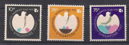 SINGAPORE 1975 ANNO INTERNAZIONALE DELLA DONNA YVERT. 239-241 MNH XF - Singapore (1959-...)