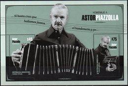 Argentina 2018 ** Homenaje Astor Piazzolla. Música. Bandoneon. Tango. - Blocks & Sheetlets
