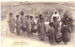 Missions D'Afrique Les Orphelins Au Travail - Children