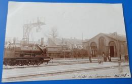 Carte Photo Le Depot De Compiegne Mai 1908 - Gare Trains Locomotive - Compiegne