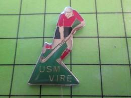 1118c Pin's Pins / Rare Et De Belle Qualité / THEME SPORTS :  NORMANDIE CALVADOS VIRE CLUB HOCKEY SUR GAZON Pas Maudit - Pin's