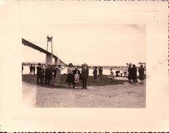 PHOTO Sou Le Pont De TANCARVILLE Photo De Famille En Vacances - Photographie