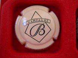 *  Capsule De Champagne  BAUSER N° 26 * - Unclassified
