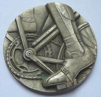 Médaille Sur Le Thème Du Cyclisme - Professionals / Firms