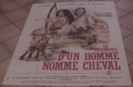 AFFICHE CINEMA ORIGINALE FILM LE TRIOMPHE D'UN HOMME NOMME CHEVAL Richard HARRIS WESTERN 1982 DESSIN - Posters