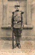 GUERRE 1914- 1918  WW1  Nouveaux Uniformes De L' Infanterie Française- Tenue Réséda, Sergent   ... - Guerre 1914-18