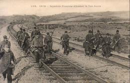 GUERRE 1914- 1918  WW1  Infanterie Française Défendant La Voie Ferrée  ... - Guerre 1914-18