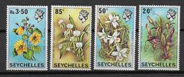 SEYCHELLES - YVERT N° 275/278 ** MNH - COTE = 11 EUR. - FLEURS - Seychelles (...-1976)