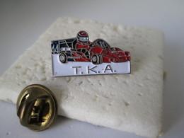 PIN'S    T K A   Karting - Badges