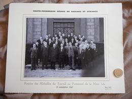 PHOTOGRAPHIE ANCIENNE, LORRAINE, HAUTS FOURNEAUX DE SAULNES ET UCKANGE, 1967, MINE IDA, REMISE MEDAILLES AU PERSONNEL - Albums & Collections