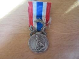 Médaille Police Nationale Et Rurale Avec Ruban - Non-attribuée - Coudray - Avant 1950 - Professionals / Firms