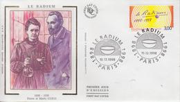 Enveloppe  FDC   1er Jour    FRANCE   Pierre  Et  Marie   CURIE     LE  RADIUM     PARIS    1998 - FDC