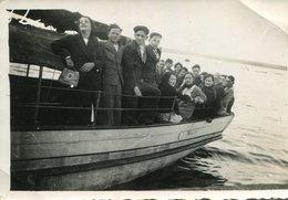 PHoto De Passagers Sur Le Bateau Faisant La Liaison Beg Meil à Concarneau Le 4 Septembre 1935 - Boats