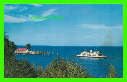 SHIPS - BATEAUX -M/V ADIRONDACK, LEAVING PORT KENT - TRAVEL -  PUB. FOR LAKE CHAMPLAIN TRANSPORTATION CO - - Ferries