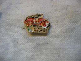 Pin's Des Pompiers De La Comunne De RIEDWIHR - Feuerwehr