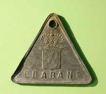 """Jeton De Taxe Sur Les Chiens """"Année 1926 - Brabant"""" Médaille De Chien - Professionals / Firms"""