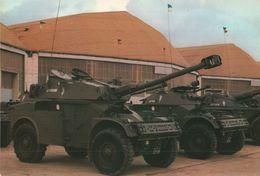 CARTE POSTALE -  AML 90 - AUTOMITRAILLEUSE LEGERE - Ausrüstung