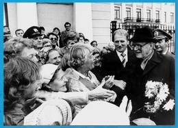 PHOTO Photographie De PRESSE Finlande HELSINKY - Le Président URHO KEKKONEN Célèbrant Son Anniversaire - Persone Identificate