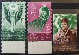 E24 - Egypt 1952 SG 404-406 Complete Set 3v. MNH - Abrogation Of Anglo-Egyptian Treaty 1936, Flag, King - Unused Stamps