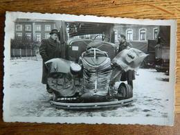 BORGLOON +GUERRE 39/45:PHOTO 7X11 D'UNE VOITURE OU CAMION  EXPLOSE-PHOTO A.BARTOLONIVIS ??MARKTPLAAT - Andere