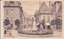 CPA  -  176. DIJON Place Des Cordeliers Et Statue De Piron - Dijon