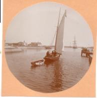 Voilier - Photo 8cm C.1900 Courseulles Sur Mer  L Avant Port Barque De Peche - Bateaux