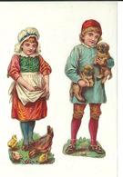 DECOUPIS ANCIEN / DEUX JEUNES ENFANTS POULE ET POUSSIN ET JEUNES CHIENS - HAUTEUR 12cm - Animaux