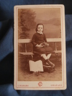 Photo CDV  Charles à Orleans  Fillette Assise Sur Un Banc  Panier En Osier Et Livre - CA 1870-75 - L400A - Photos