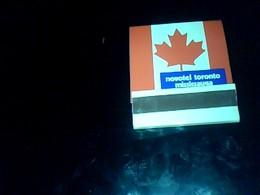 Boite D' Allumettes PleIne  Pubicitaire Novotel  Origine Canada Toronto  Mississauga Pub  Rothmans - Boites D'allumettes