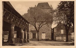 DOMME  -  L'Hôtel Du Gouverneur Et La Curieuse Halle - Frankreich