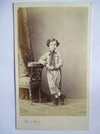 Photographie CDV  Silli, Nice - Epoque Napoléon III - Garçonnet En Costume à Carreaux - Superbe ! - Photographs