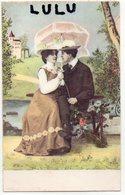 COUPLES 313 : Sur Un Banc Avec Une Ombrelle  ; édit. Héarts & Flowers By Harmony Books - Couples