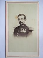 Photographie CDV - Portrait De Gendarme - Légion D'Honneur - Epoque Napoléon III - Vers 1870 - Photo Terris , Marseille - War, Military