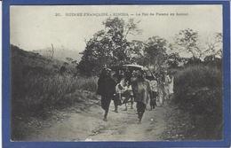 CPA Guinée Type Ethnic Afrique Noire Le Roi De Farana Circulé - Guinée Française