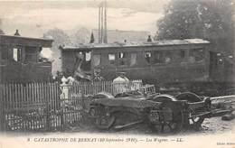 BERNAY - La Catastrophe (10 Septembre 1910) - Les Wagons - Bernay