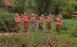 CHIANGMAI - Temple (Eight Dance) - Thailand